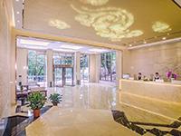 海疗朗诗酒店大厅